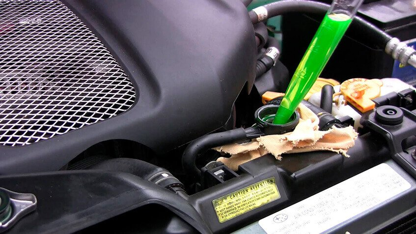 Mantenha o fluído de arrefecimento do seu carro sempre dentro do nível recomendado!