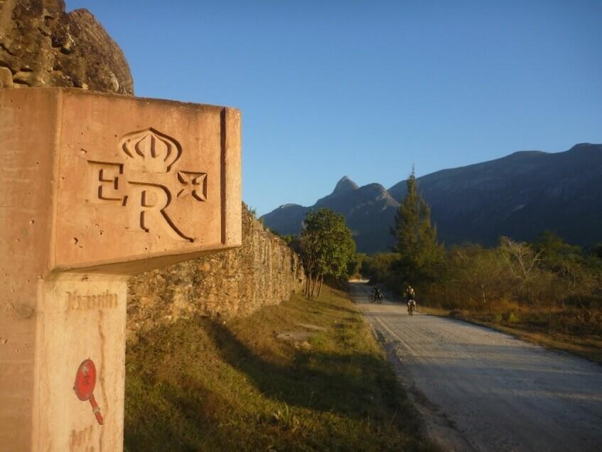 Viagem de carro na Estrada Real