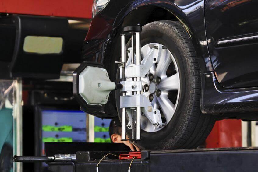 Revisão de carro: Alinhamento e Balanceamento