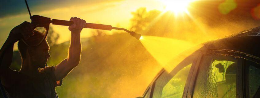 Evite lavar o carro ao sol