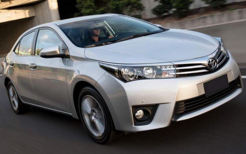 Sedans Médios Preparados para o Dia-a-Dia: Toyota Corolla