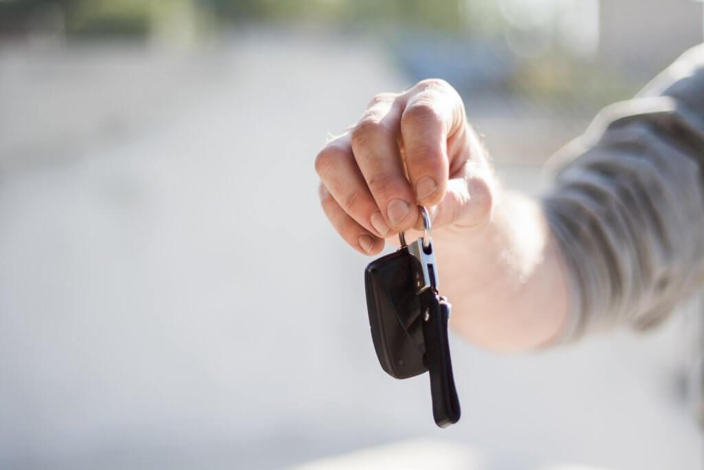 Como financiar um carro seminovo?