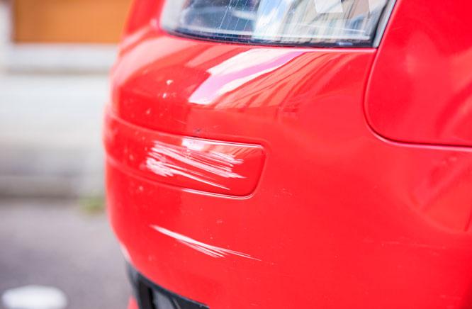 Dicas de venda de carro: Evite consertar pequenos arranhões